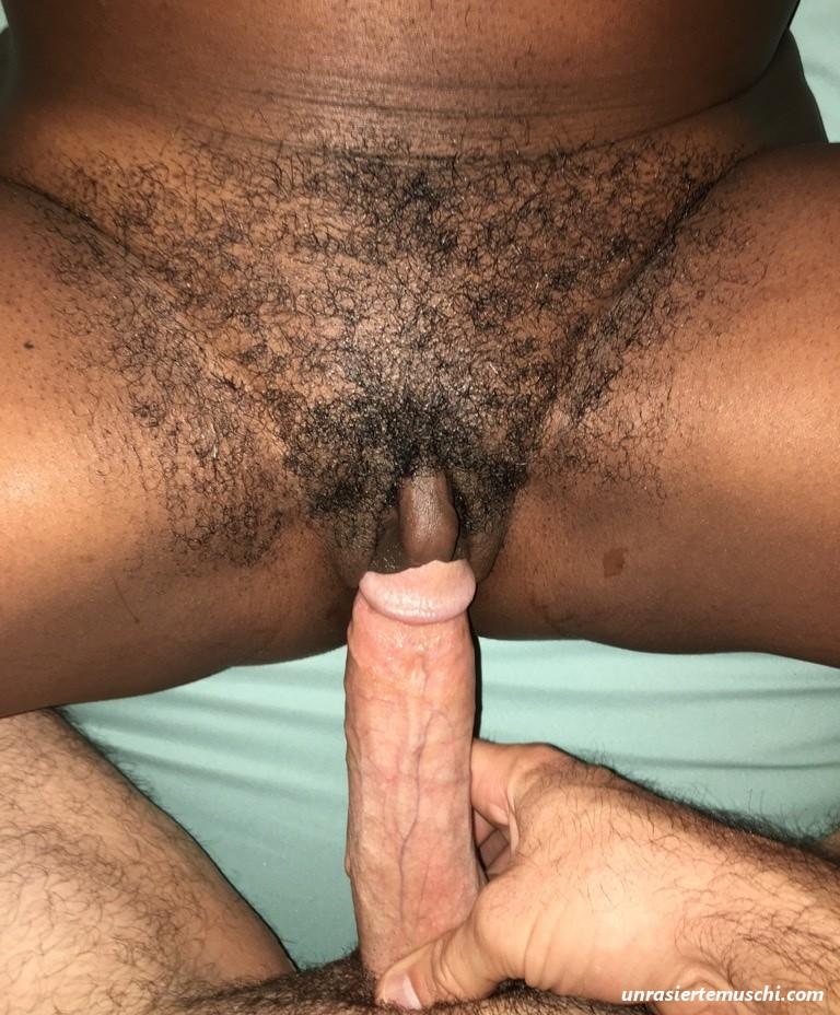 Schwarze möse