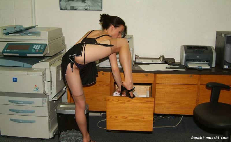 Im sekretärin büro nackt Büro arbeiten