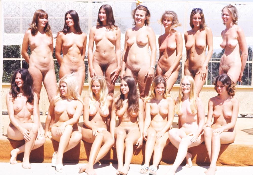 Frau gruppe nackt